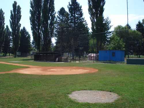 Terrain de Baseball en Croatie !! Home11