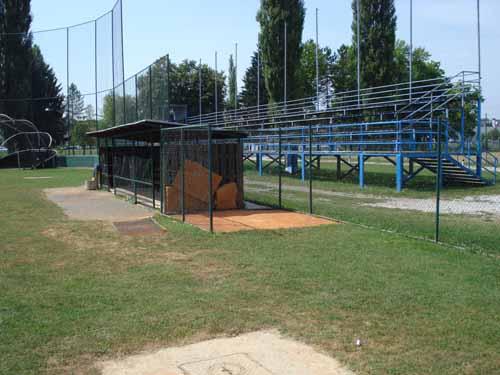 Terrain de Baseball en Croatie !! Practi11