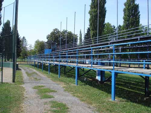 Terrain de Baseball en Croatie !! Specta11