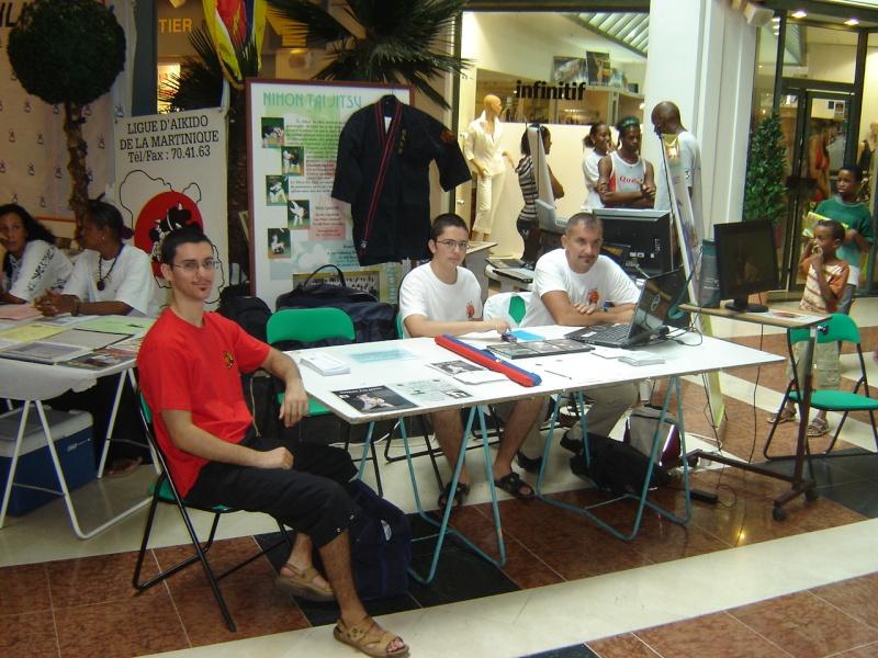 Dé-MONSTRE-ation et présentation du NTJ972 à La Galleria !! Dsc07910