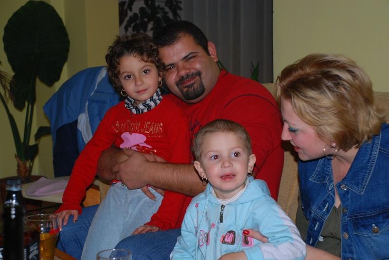 www.eroudepoveste.ro te invita la concurs ,,o familie fericita,, ! - Pagina 2 Dsc_7211