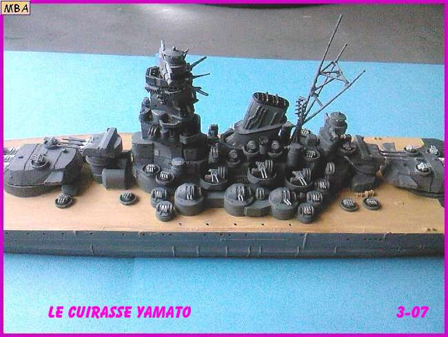 CONSTRUCTION DE LA MAQUETTE DU YAMATO AU 700 TAMIYA Yamato25