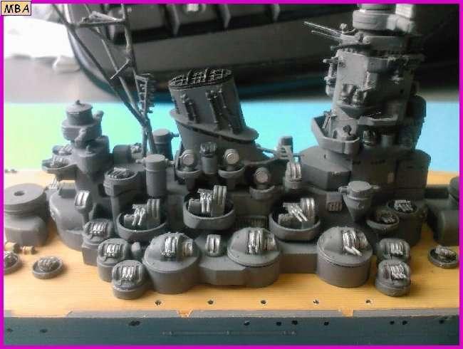 CONSTRUCTION DE LA MAQUETTE DU YAMATO AU 700 TAMIYA - Page 2 Yamato31