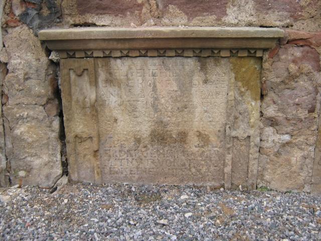 De l'autre côté du mur...du cimetière de Wangen Img_0313