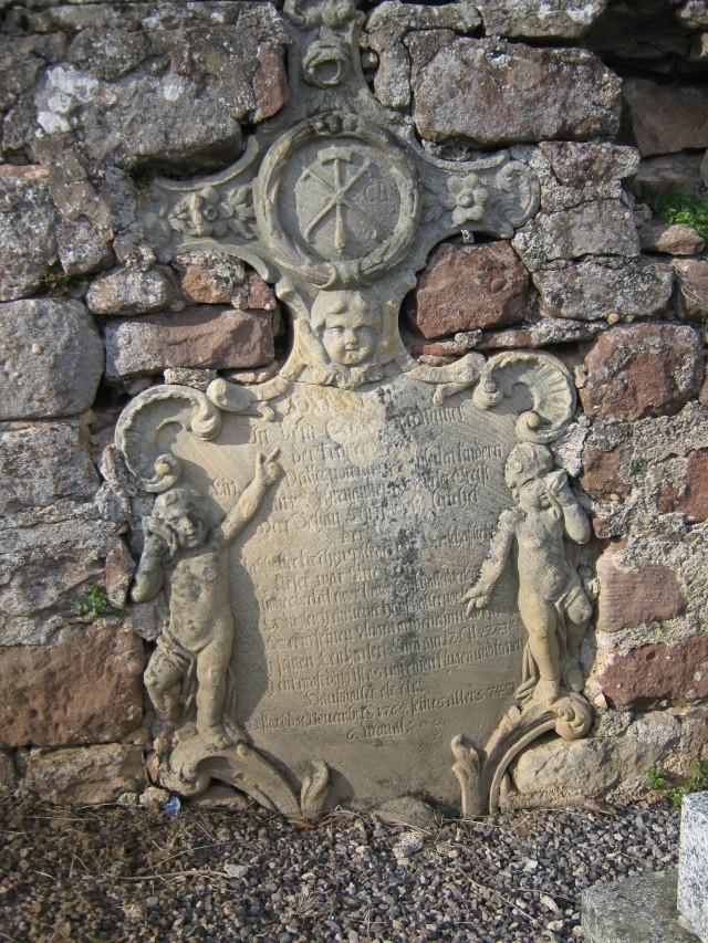 De l'autre côté du mur...du cimetière de Wangen Img_0324