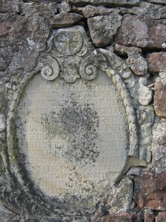 De l'autre côté du mur...du cimetière de Wangen Img_0326