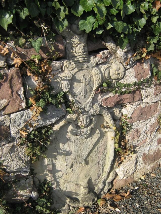 De l'autre côté du mur...du cimetière de Wangen Img_0330