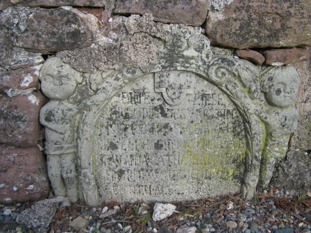 De l'autre côté du mur...du cimetière de Wangen Img_0332