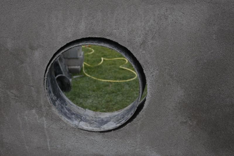 Incérer un hublot dans un mur. 06_mai10