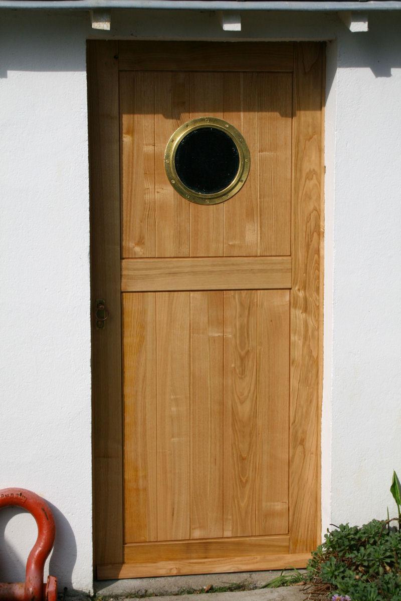 Essences de bois: Chêne et châtaignier. 25010
