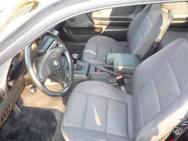 Projet sur BMW 316 I compact de 2000 97110611