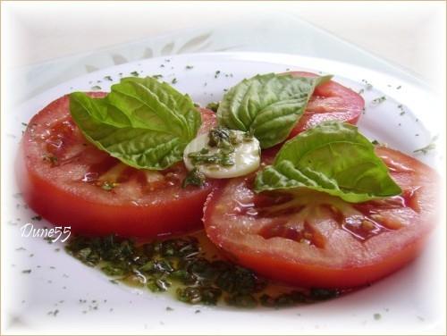 Une petite entrée de tomate et bocconcini Pict1411