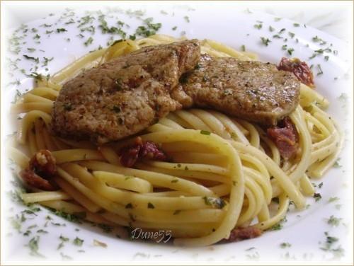 Pâte aux persil-basilic et tomates séchées avec escalopes de poulet Pict4613