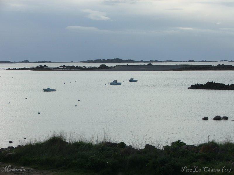 Phare de Port La Chaine (22) Brahat14