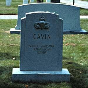 Géneral James.M.GAVIN Gavin_11