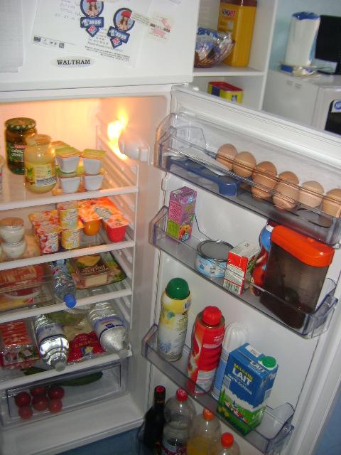 Retrouver la propriétaire du frigo . Dsc01111