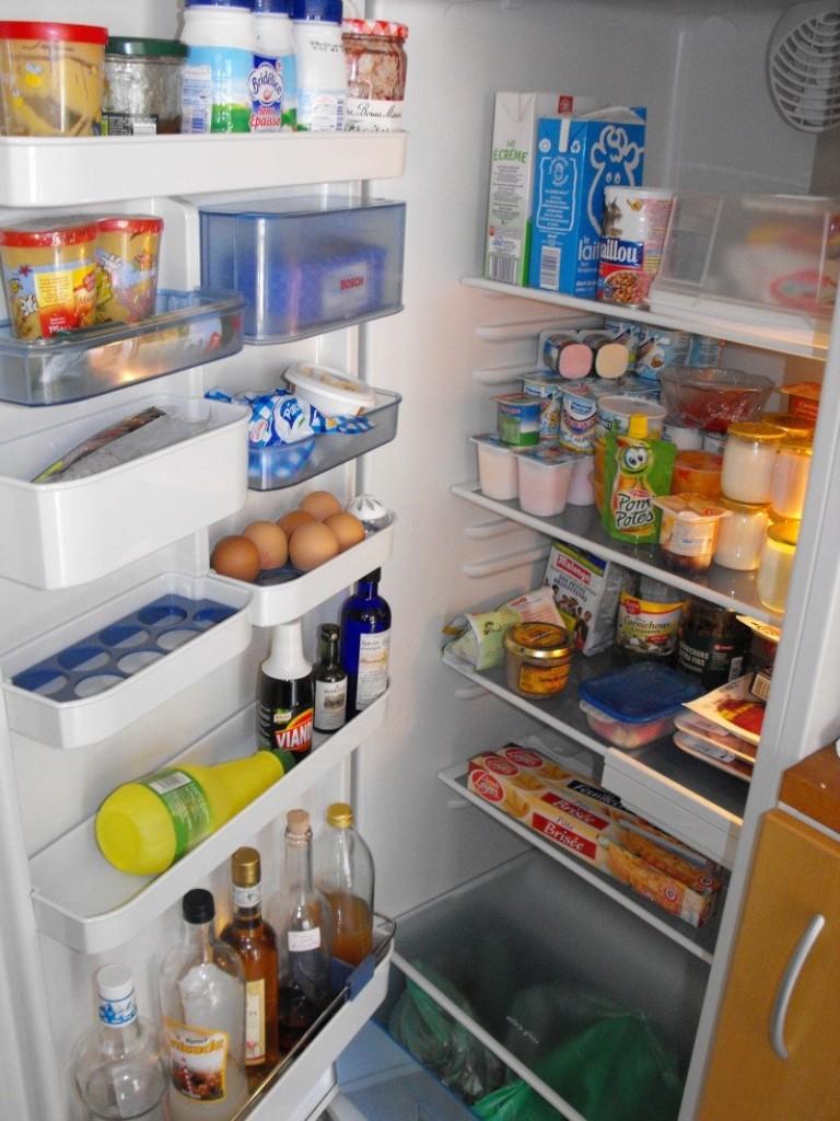 Retrouver la propriétaire du frigo . Dscf0010