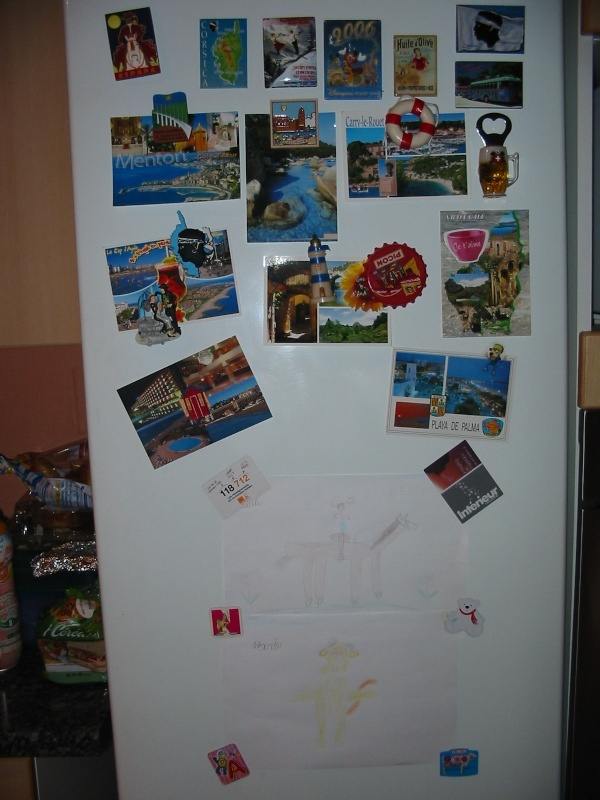 Retrouver la propriétaire du frigo . Frigo_12