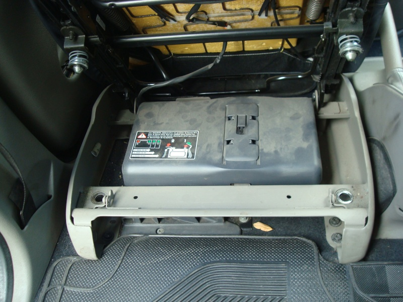 como levantar el asiento para sacar la bateria 22-11-21