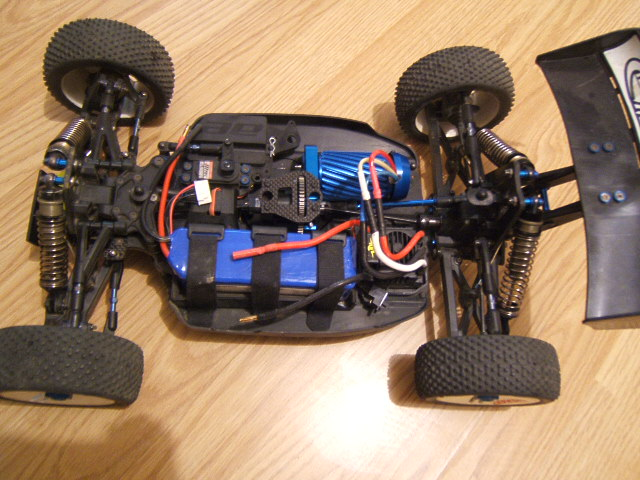 RC8 factory team + converssion kit Dscf0910