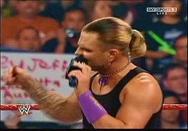 Triple H cherche 1 participant pour la wwe champion Pdvd_010