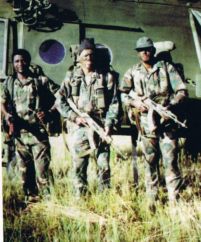Cool photos of Mercenaries in Africa (Executive outcomes) Execut14