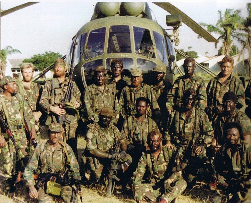 Cool photos of Mercenaries in Africa (Executive outcomes) Execut15