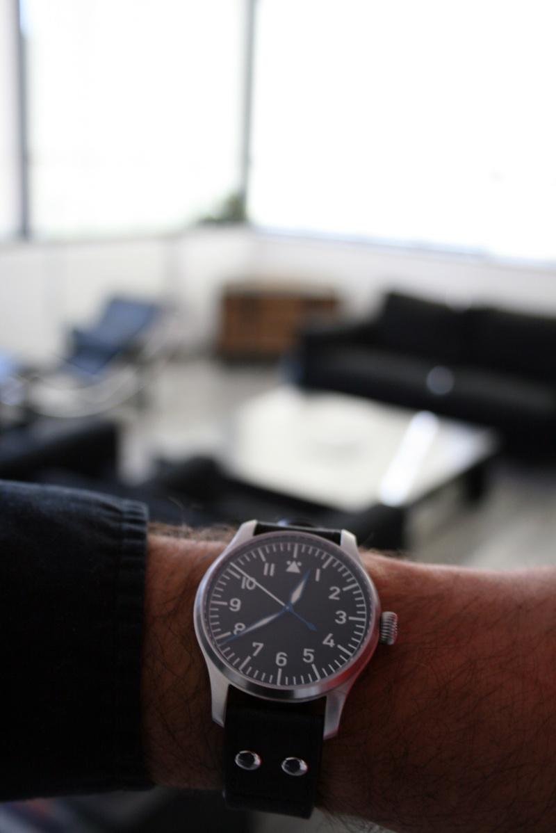 Feu de vos montres à aiguilles bleues Stowa_10