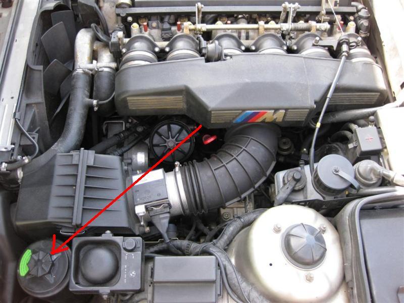 [E34 M5 1995] Ou se trouve le réservoir de DA (résolu) Bm10