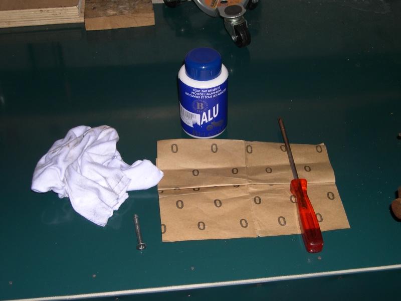 Polir les embouts de guidon d'origine Dscn310