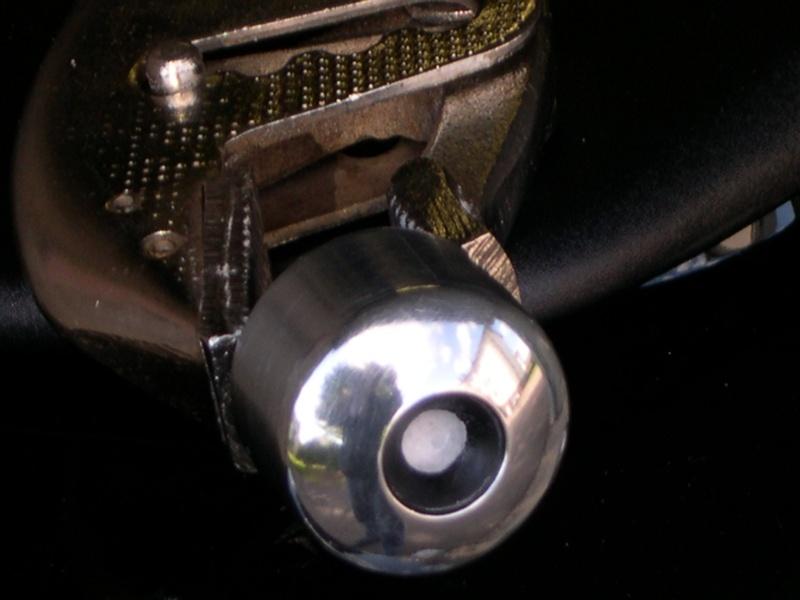 Polir les embouts de guidon d'origine Dscn910