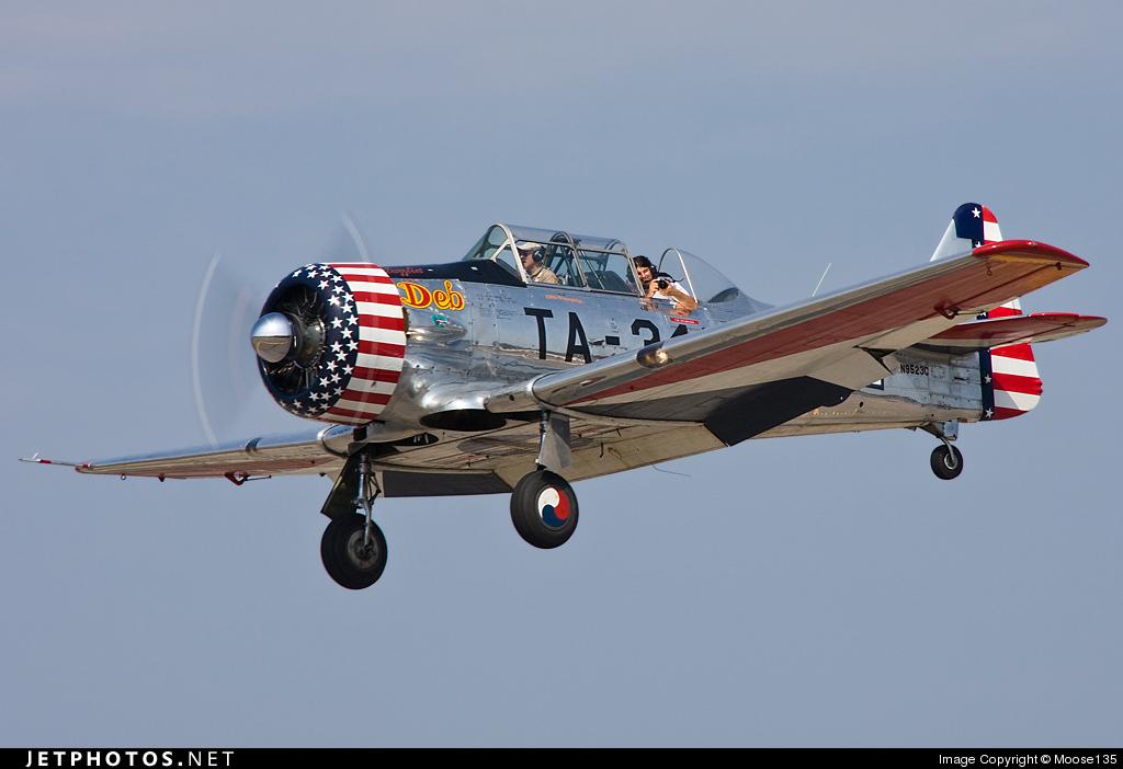"Texan T-6 C TA-349 ""Dazzlin' Deb"" - Col. Thomas E. Murphy - 47th Flying Trainig Wing USAF 0010"