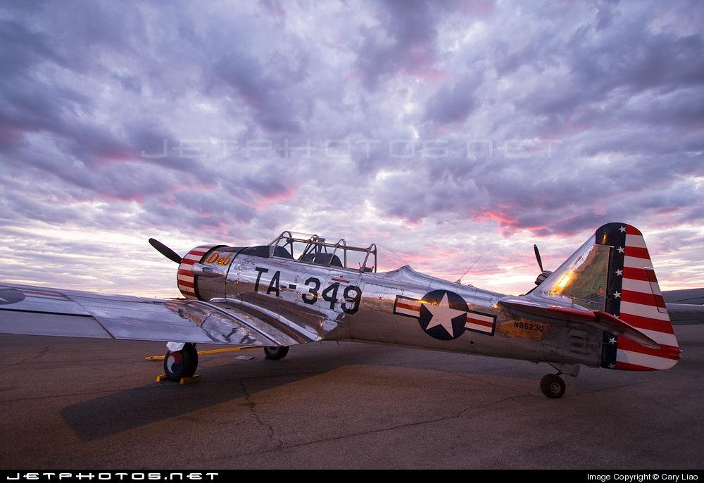 "Texan T-6 C TA-349 ""Dazzlin' Deb"" - Col. Thomas E. Murphy - 47th Flying Trainig Wing USAF 0310"