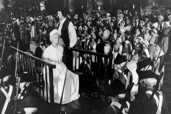 Marie Antoinette avec Michèle Morgan (Delannoy) - Page 5 19100112
