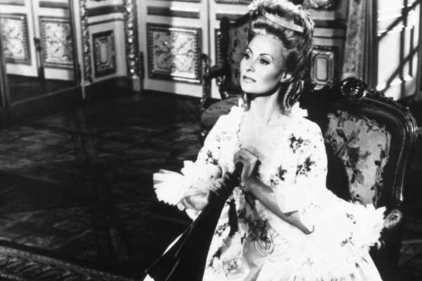 Marie Antoinette avec Michèle Morgan (Delannoy) - Page 5 19100114