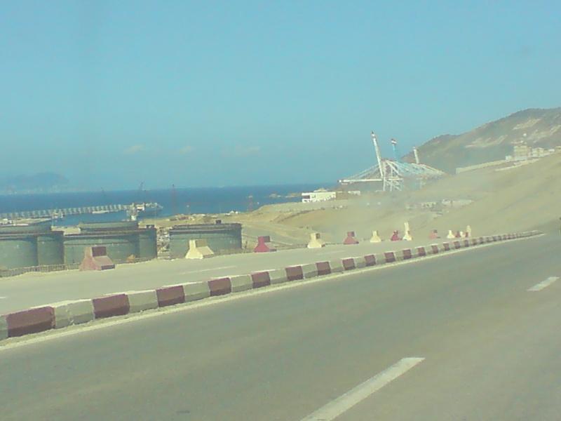 Tanger - Futur grand port de l'Afrique - Page 4 Dsc01114