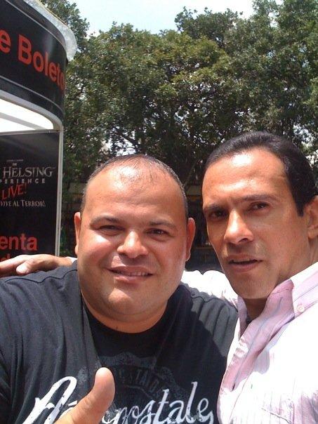 Fotos de Alejandro bajadas desde su  celular.. 5211_112