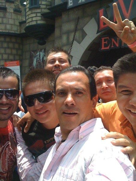 Fotos de Alejandro bajadas desde su  celular.. 5211_113