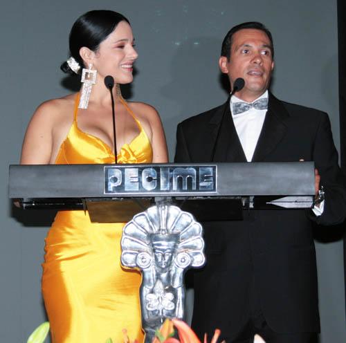 Las Diosas de plata presentador Alejandro Ruiz una d elas 5 parejas Diosas10