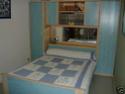 Comment peindre les murs avec cette chambre bleu?? Lit_po13