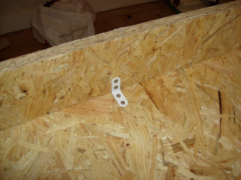 Construction de meuble avec 2 terra incrustés dedans Hpim3363