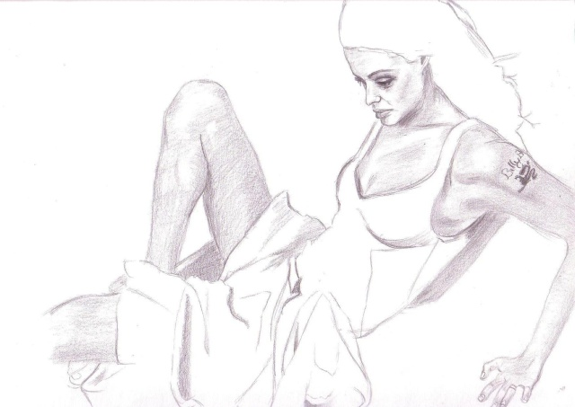Angelina Jolie [terminé] Angeli10