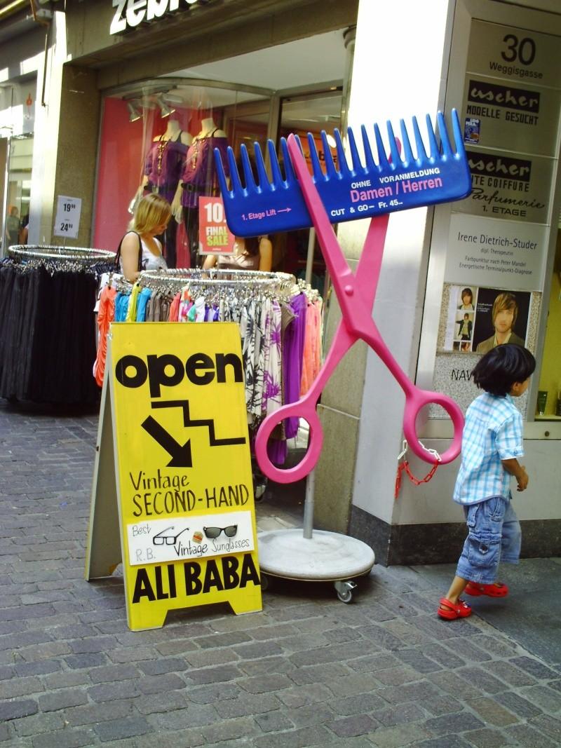 Funny sign - Ali Baba sunglasses Pict0310
