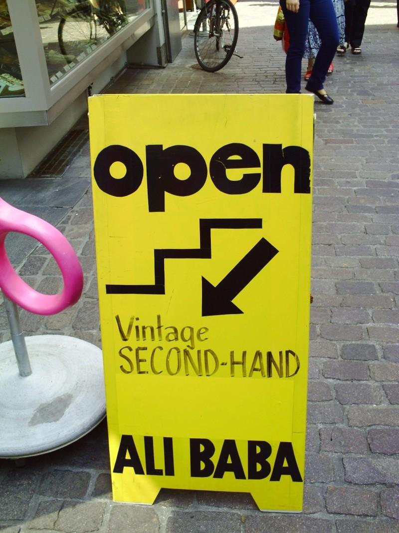 Funny sign - Ali Baba sunglasses Pict0312