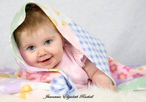 Jarrod & Jhavanna Eight Months Old Cuddly10