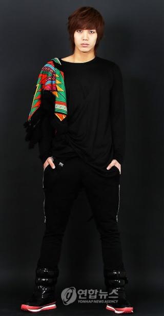 [OFFICIEL] Profil de Chol Yong 810