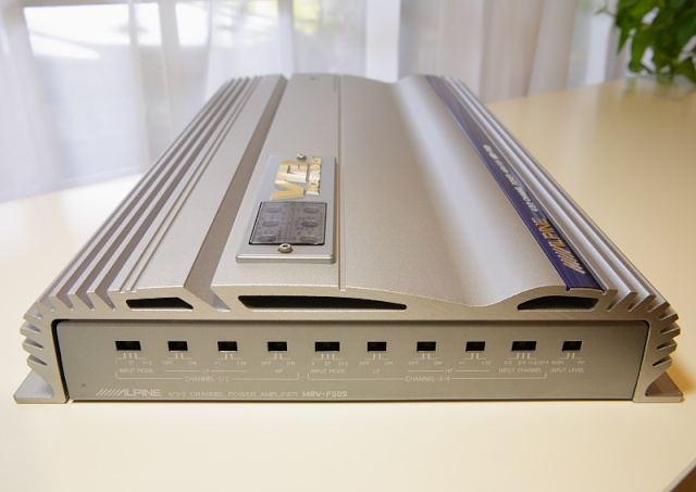 Alpine V12 MRV-F505 4/3/2 channel power amp (Used) _mg_2618