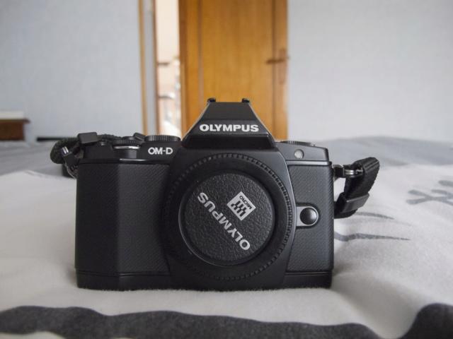 VENDU  olympus  OMD noir Img_2511