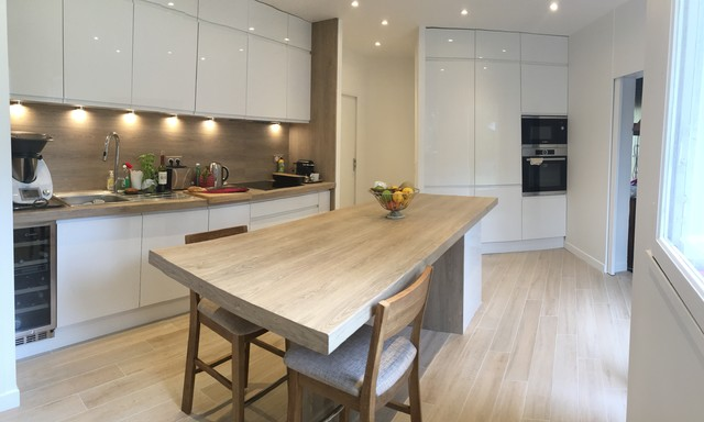 Comment agencer une cuisine ouverte sur un séjour carré Home-d10