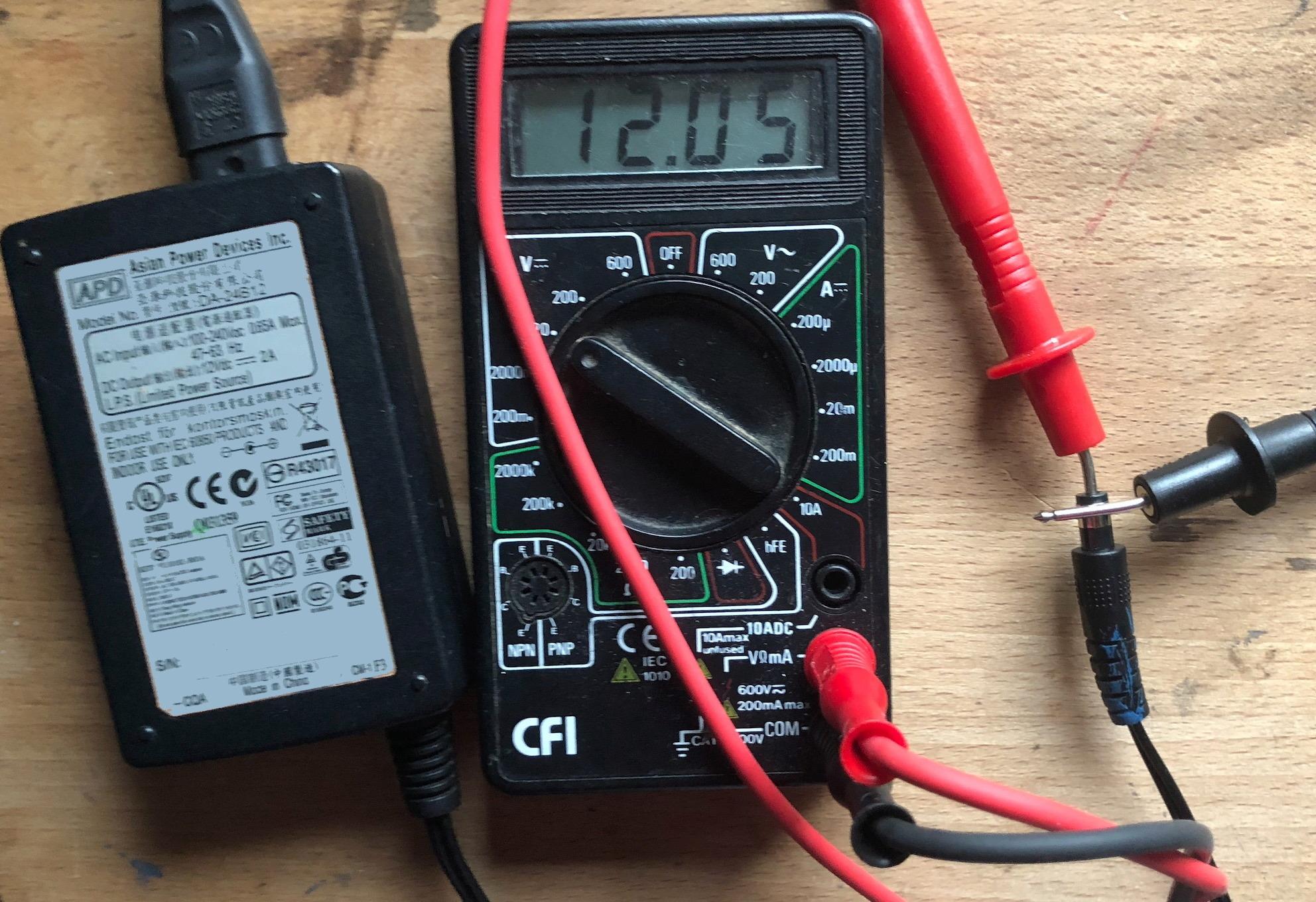 Electronique, récupération, réparation, maintenance, fabrication de compos - Page 12 Captu220